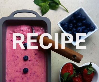 Recipe: Berry & Pineapple Frosted Treat by eetrite
