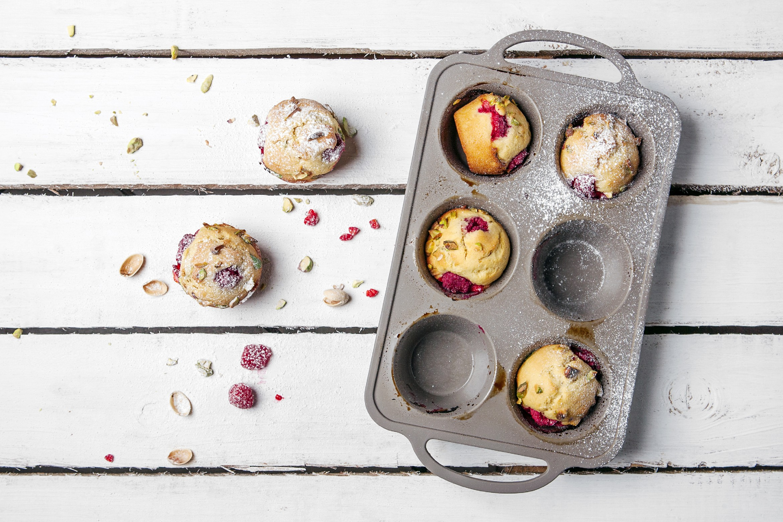 Eetrite Silicone Bakeware 2 Section Novelty Cupcake Pan 37cm